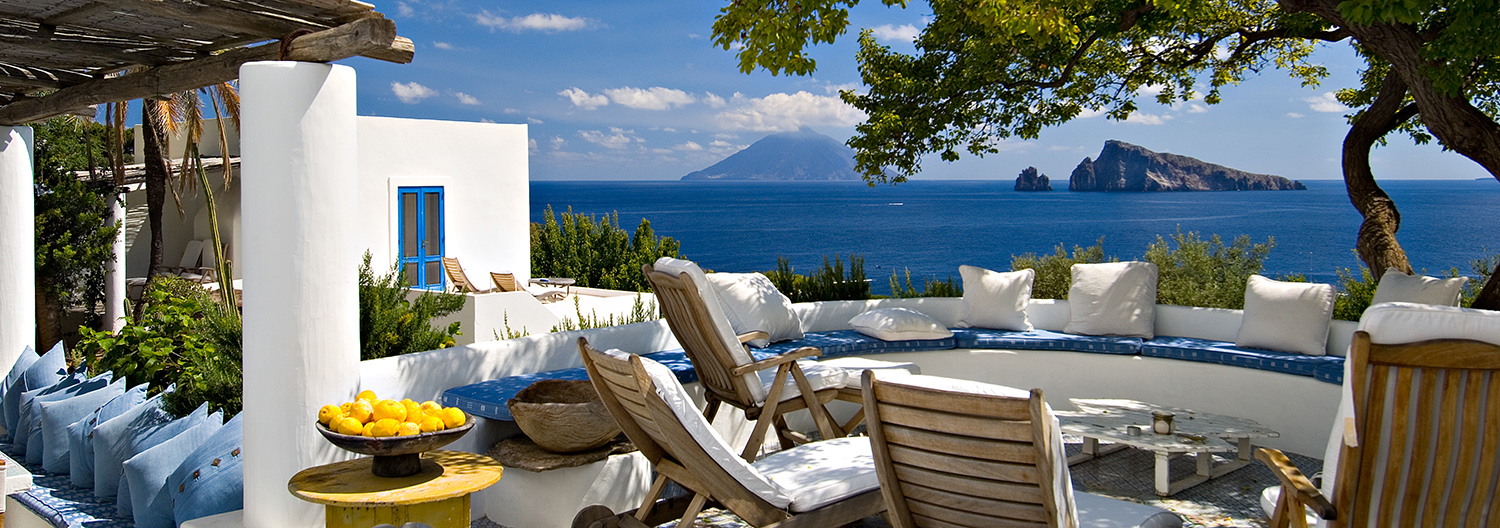 Mediterranean, Seaside and Island Houses and Villas